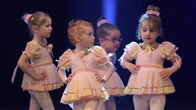 http://www.destination-danse.ca/wp-content/uploads/2020/07/enfants-640x360.jpg