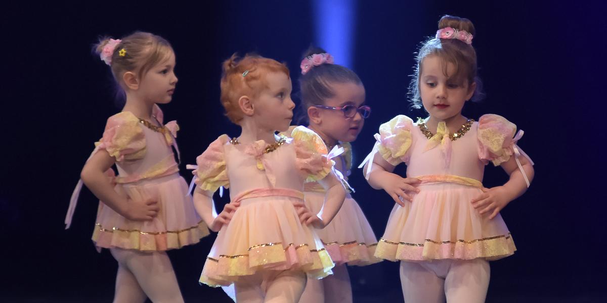 http://www.destination-danse.ca/wp-content/uploads/2020/07/enfants.jpg